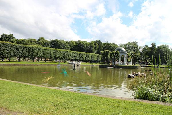 Kadriorgin puisto on upea kesäkeidas