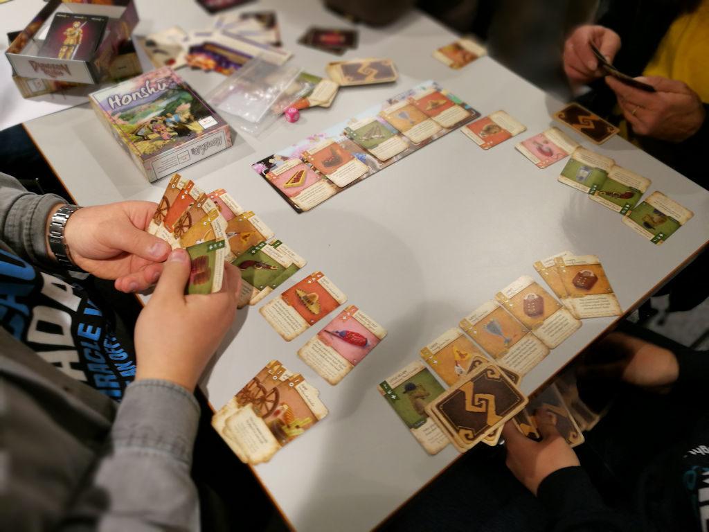 Suomalaista tuotantoa oleva Dale of Merchants on omintakeinen pakanrakennuspeli.