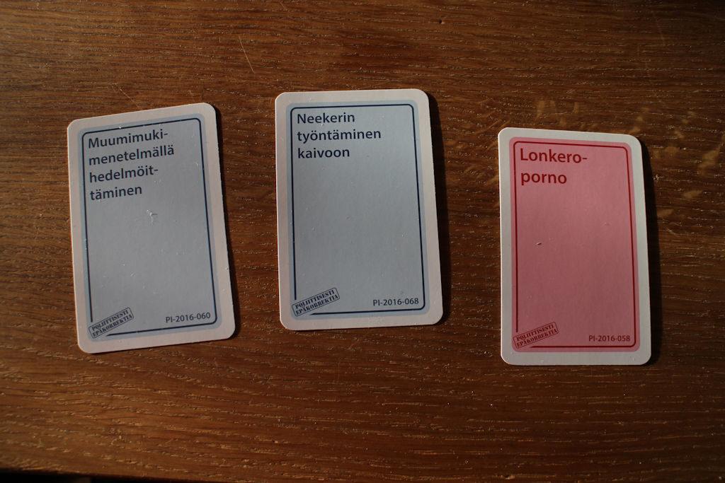 Tehtäväkorttiin tarjotut vastauskortit.