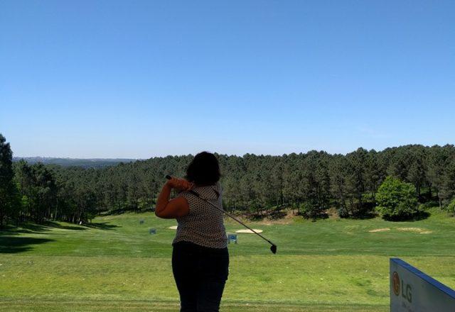 Swingiä hieromassa Istanbulin Kemer Golf & Country Clubilla