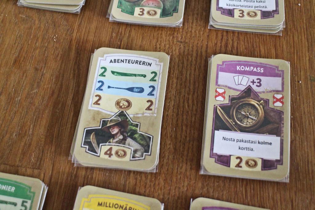 Kakkosen jokeri on hyvä hankinta, kun tarjolle tulee, mutta hinta neljä rahaa. Kertakäyttöinen 'nosta kolme korttia' takaa (yleensä) yhden jytkymmän kierroksen.