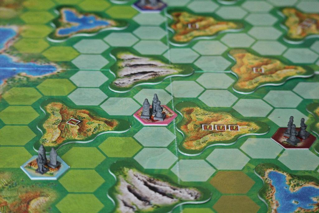 ...ja alussa oli pelaajien pienet kaupunginalut.