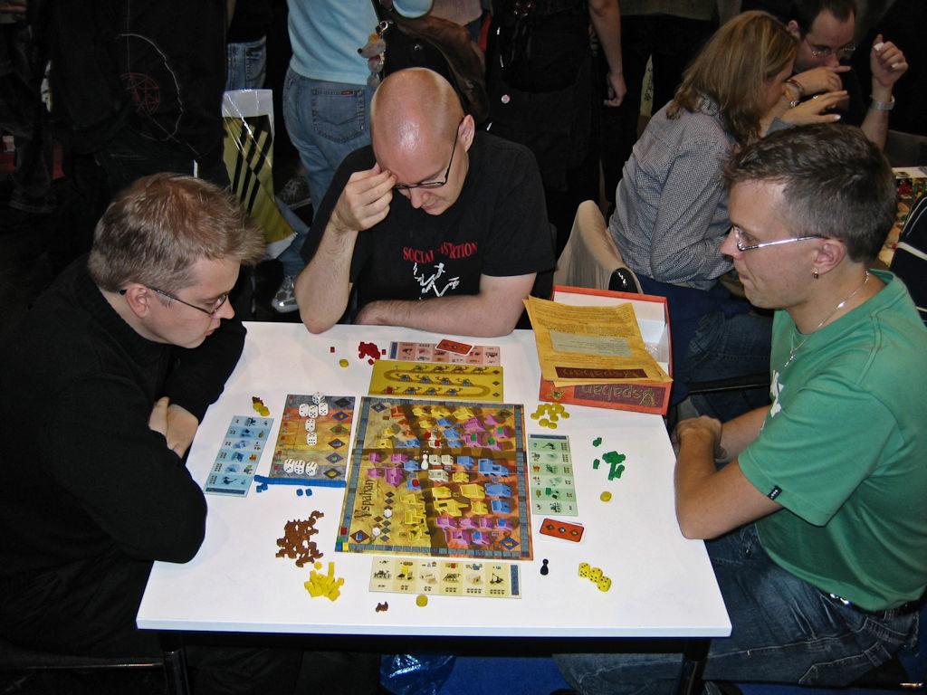 Vuoden 2006 uutuus Yspahan Ystarin osastolla testissä.