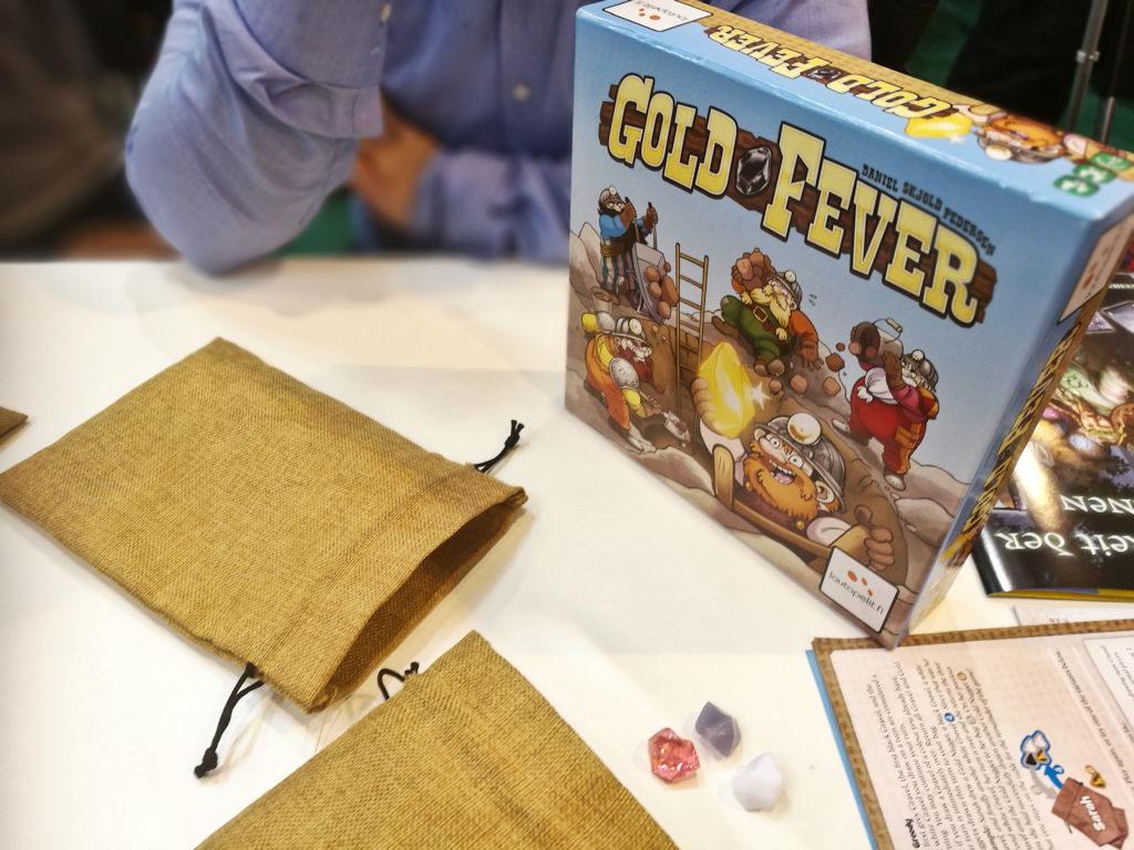 Gold Feverin komponenttipuoli on kunnossa - pelikin on kaikesta yksinkertaisuudestaan huolimatta hyvä ja sopii kaikille.
